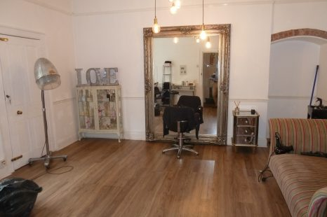 salon to let Southernhay Exeter (14)